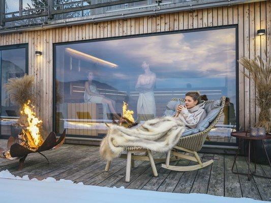 Entspannen im SeeSpa mit direktem Blick auf den Traunsee und Traunstein