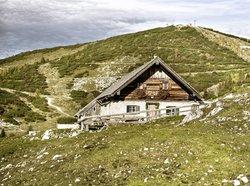 Alpine hut on the Feuerkogel