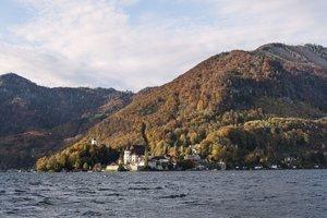 Halbinsel Traunkirchen im Herbst