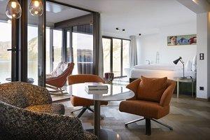 Wohnraum in der Panoramasuite Traunstein