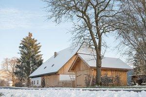 Außenansicht Bauernhaus Dörfl mit Garage